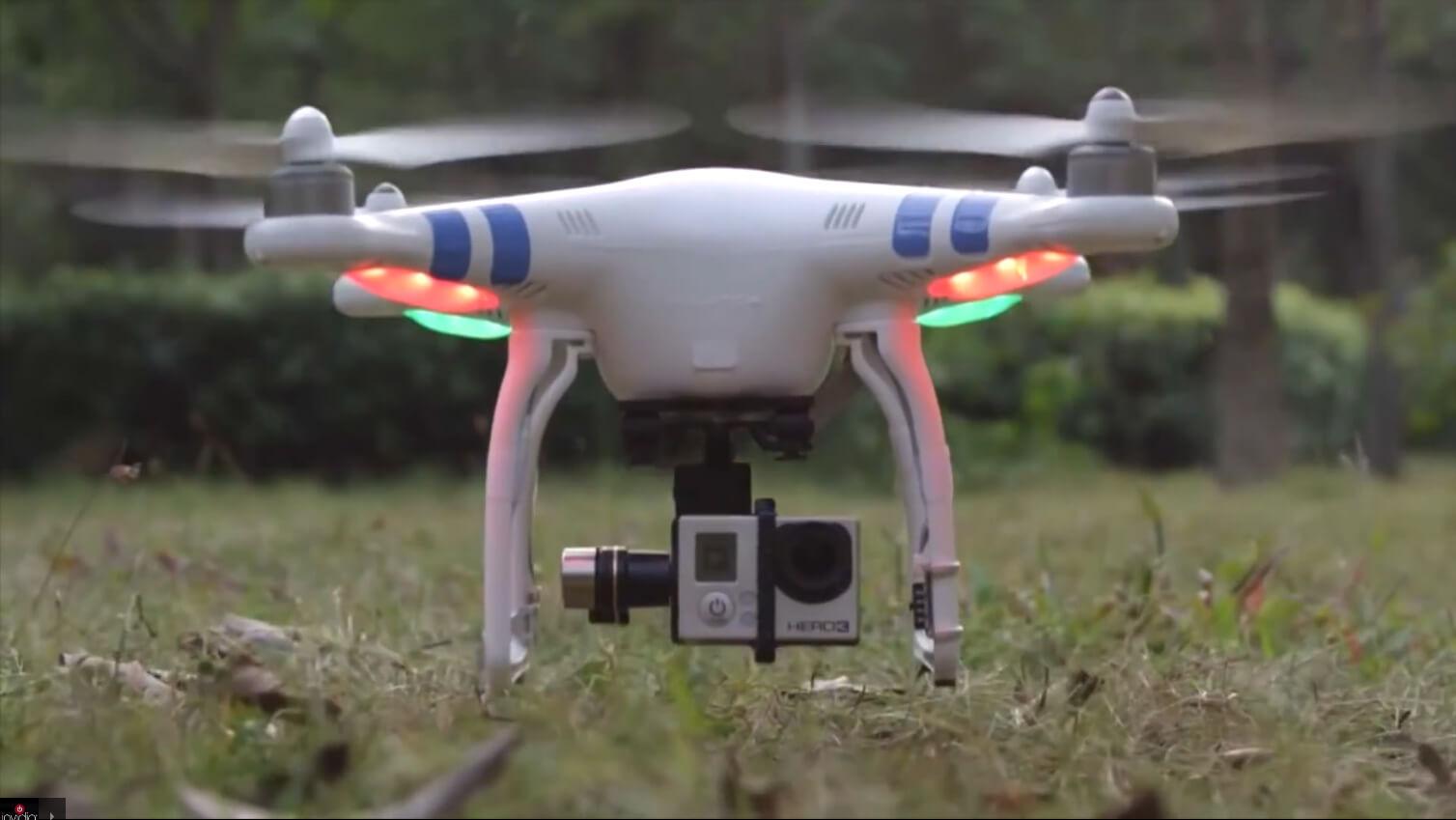 Un Drone riprende il paesaggio in un video