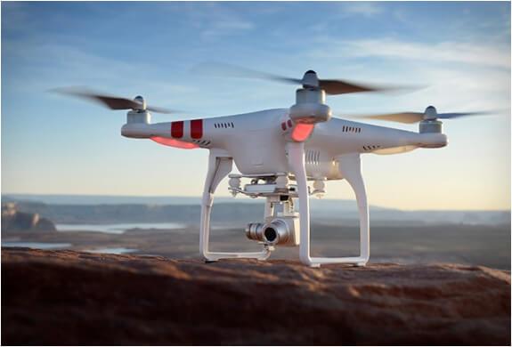 Drone Professionale Phantom 2 Vision di DJI
